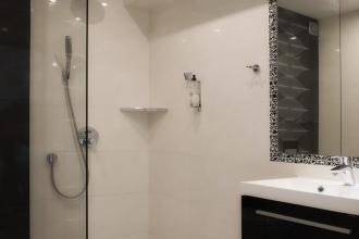 Pokój 4 osobowy łazienka